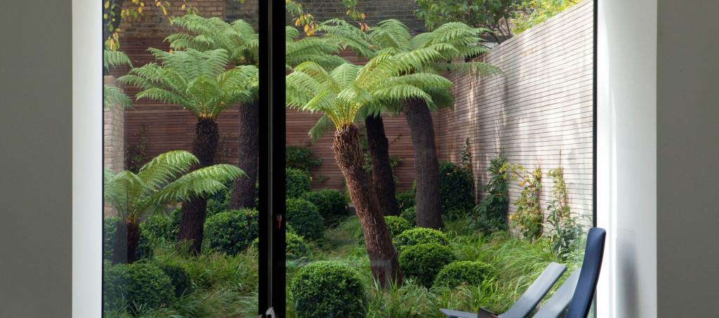 gallery_high_02_London_garden_MM_001